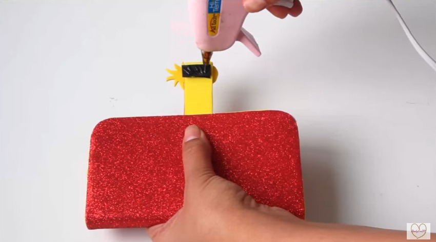 make glittering cell phone case