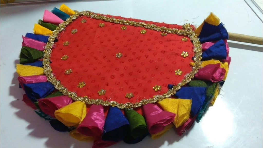 How-to-make-hand-fan-from-waste-aata-bag-and-old-clothes1
