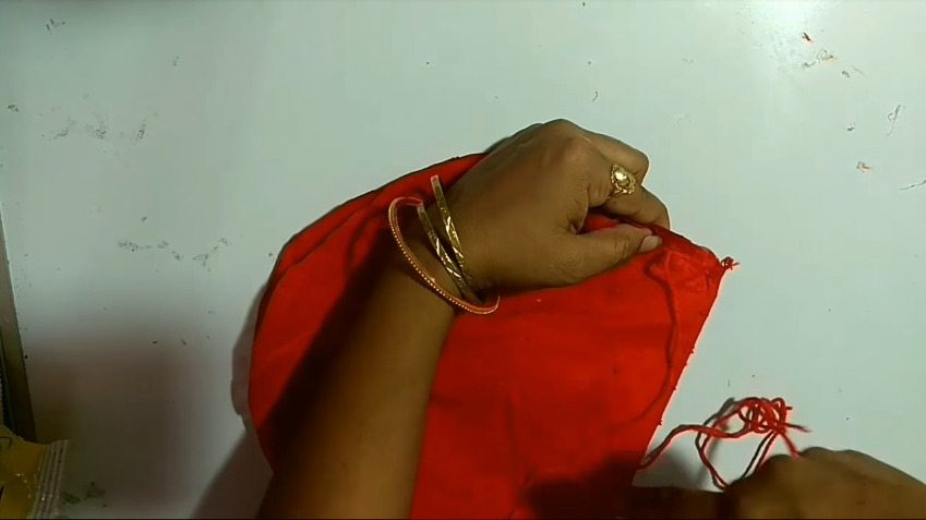How-to-make-hand-fan-from-waste-aata-bag-and-old-clothes6