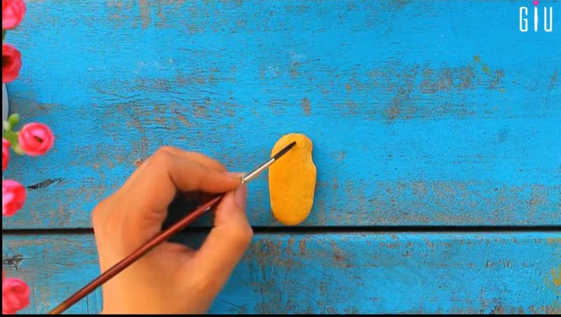 How to make key chain holder for decorating walls using waste material14