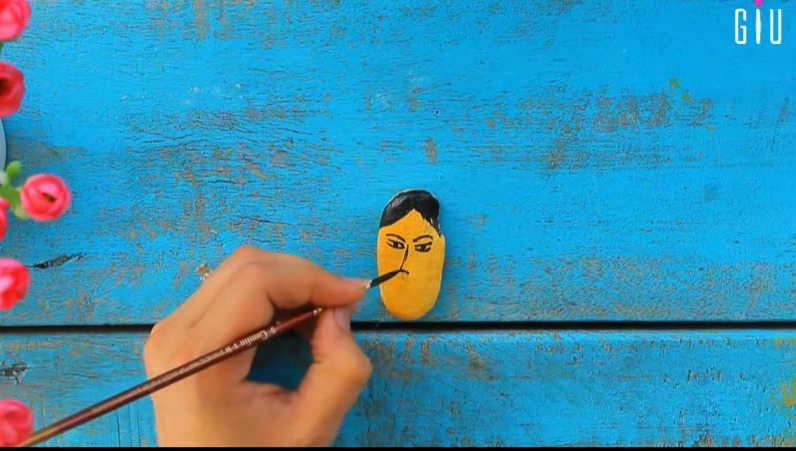 How to make key chain holder for decorating walls using waste material15