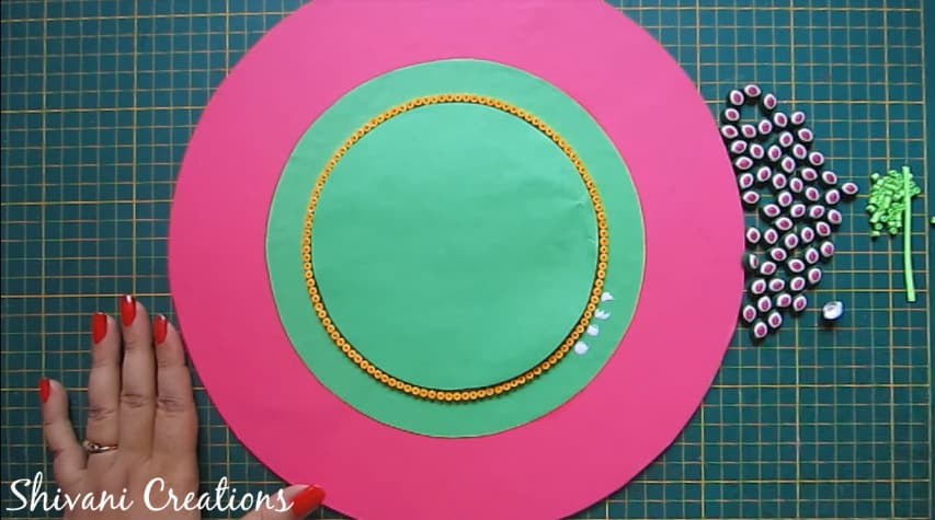 How to make quilling wall mirror14