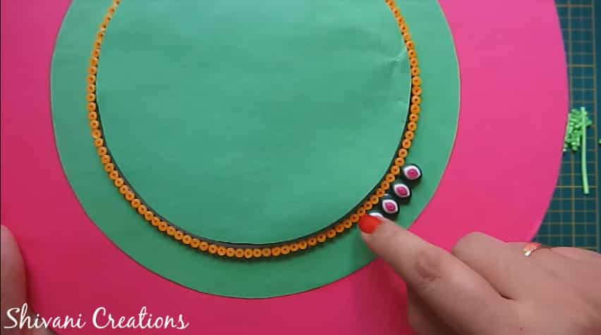 How to make quilling wall mirror15