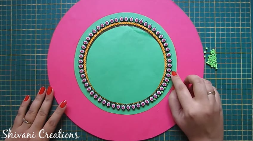 How to make quilling wall mirror17
