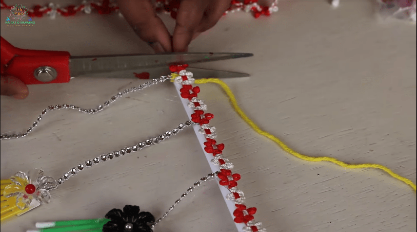 How to make wall hanging using cotton buds11