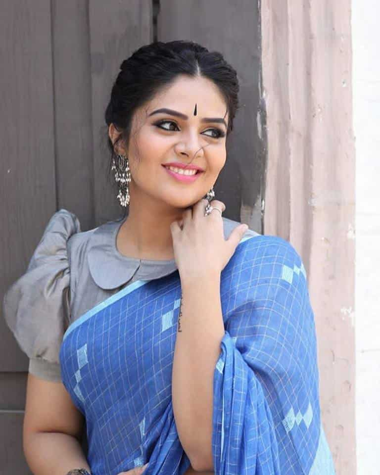 Fancy designer blouse for party wear sarees7