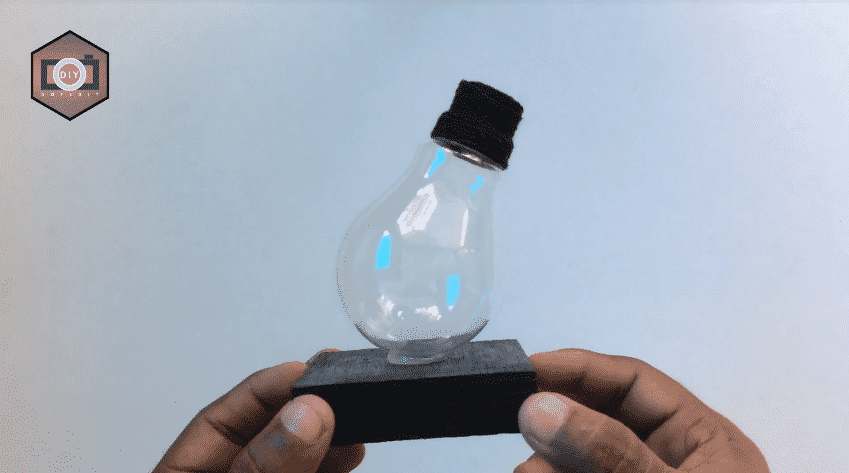 How to build a mini aquarium use waste electric bulb12