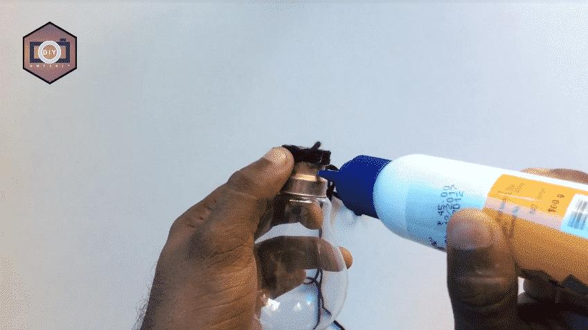 How to build a mini aquarium use waste electric bulb7