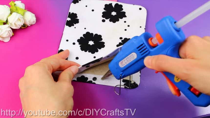 How to make a cute phone case really easy11