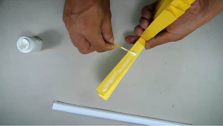 How to make hand fan out of color papers8