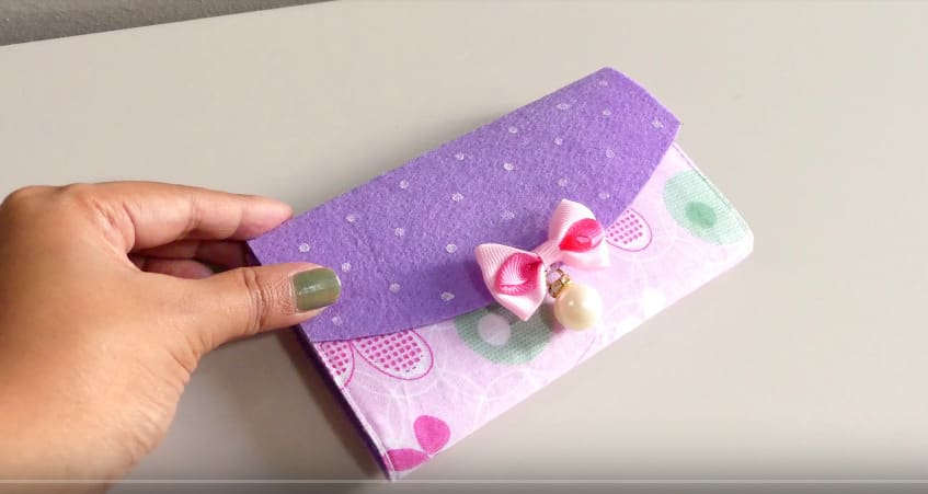 How to make mobile cover at home1