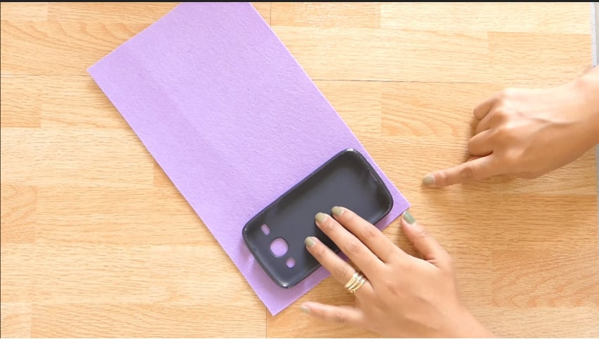 How to make mobile cover at home3