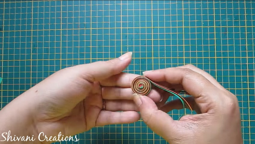 How to make paper quilling necklace set12