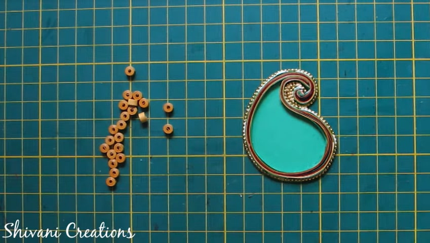How to make paper quilling necklace set16