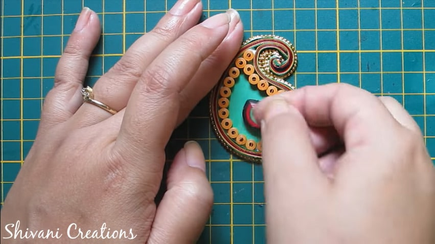 How to make paper quilling necklace set17