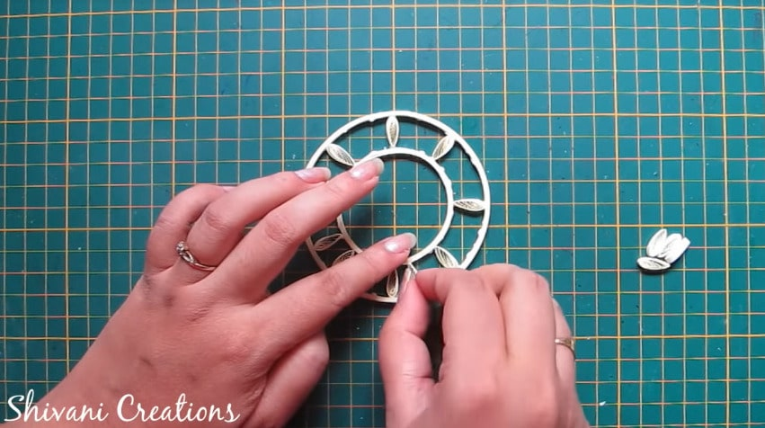 How to make quilled tricycle miniature plant stand12