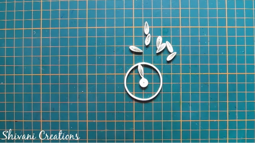 How to make quilled tricycle miniature plant stand6