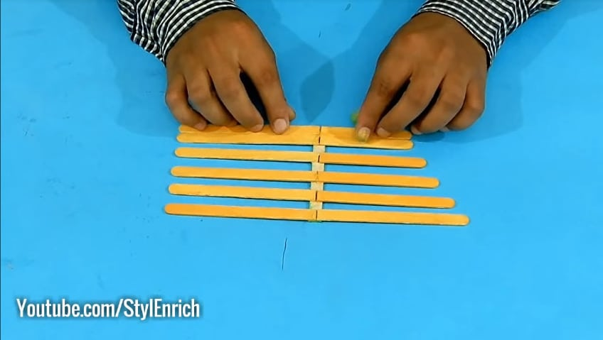 How to reuse cardboard to make jewelry organizer15