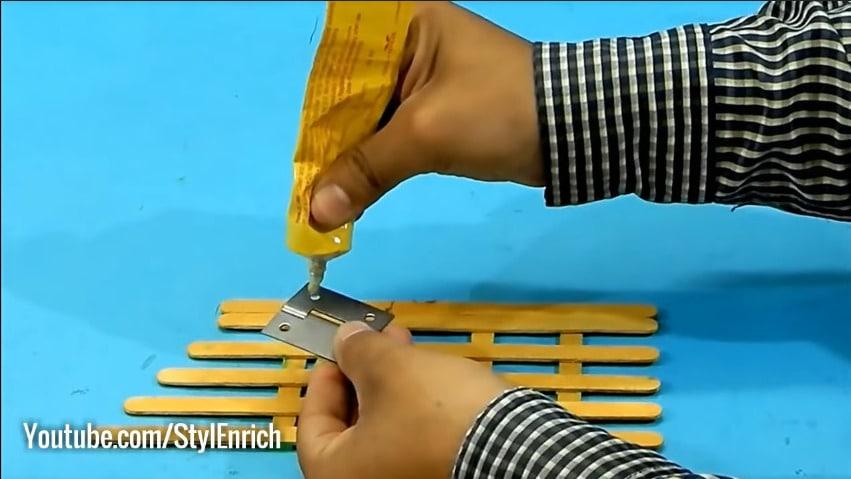 How to reuse cardboard to make jewelry organizer17