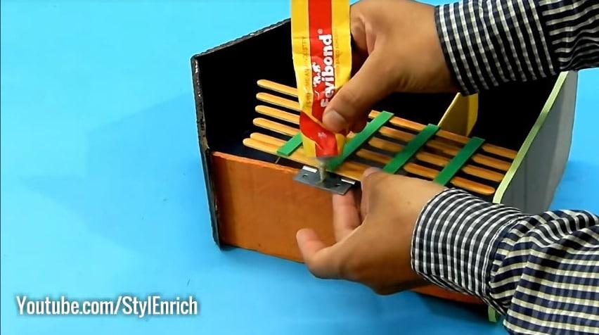 How to reuse cardboard to make jewelry organizer18