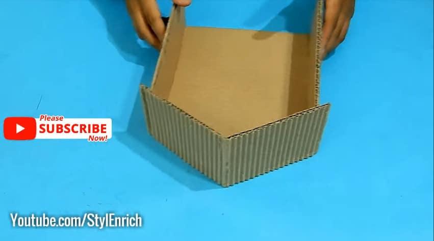 How to reuse cardboard to make jewelry organizer4