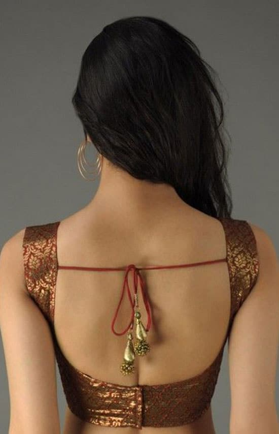 Stylish back hook designs for your Saree blouses4