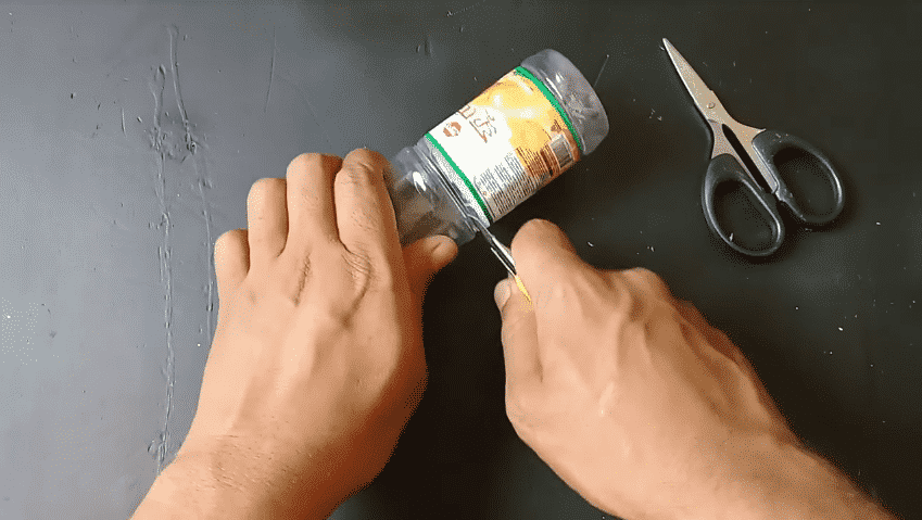 How to make an organizer from plastic bottle2
