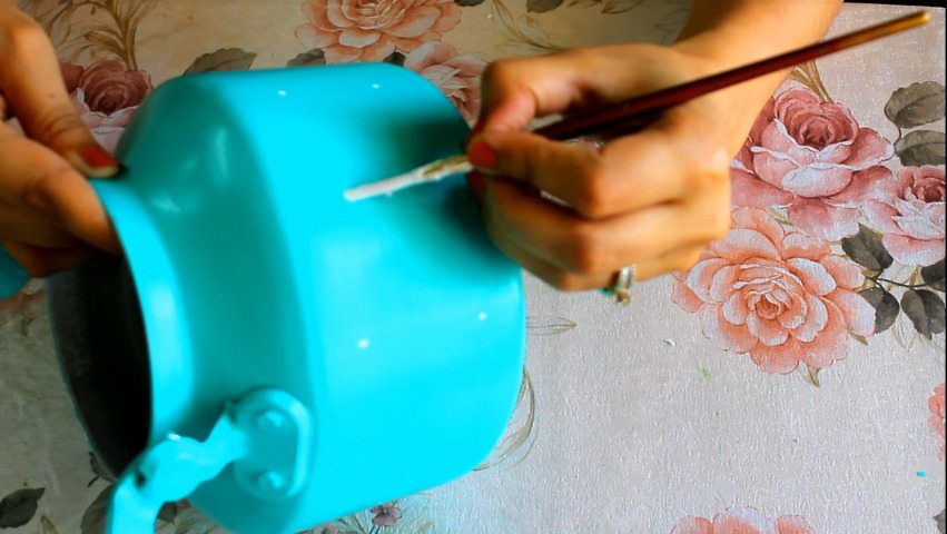 How to make decorative kettle using waste plastic5