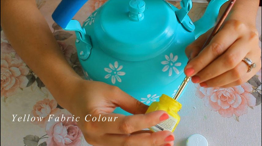 How to make decorative kettle using waste plastic6