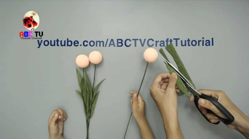 How to make flower from foam beads7