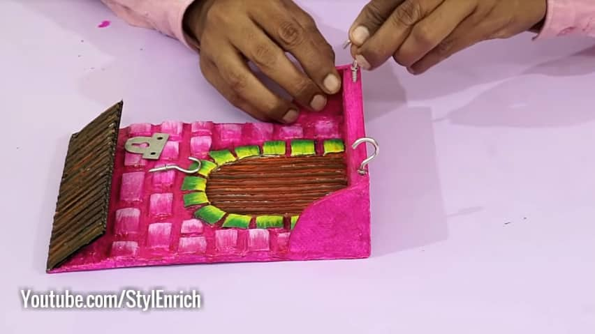 How to make unique key holder for wall13
