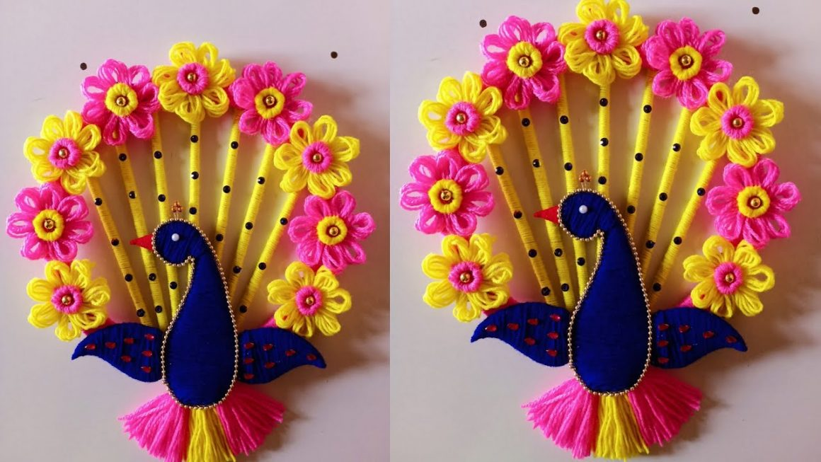 Easy Peacock Wall Hanging