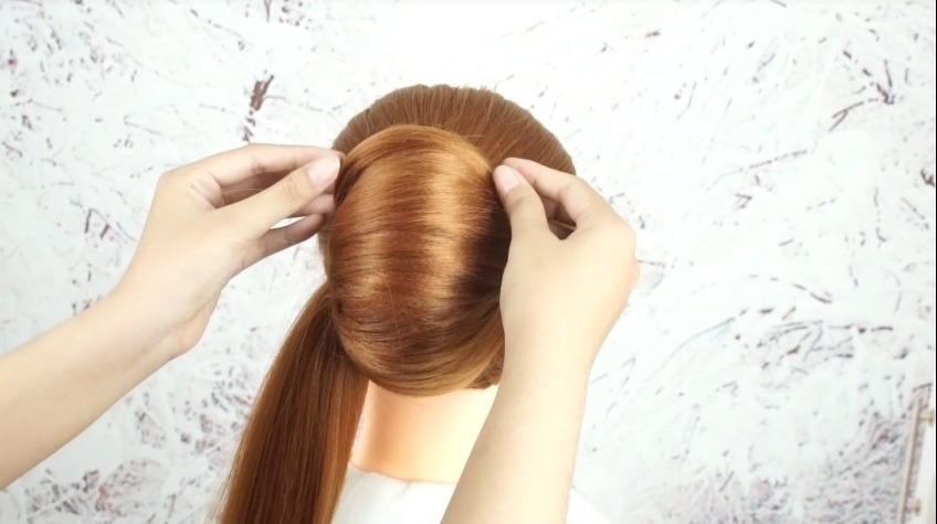 French Roll Hairstyle with Clutcher