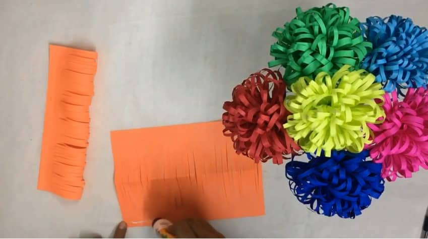 How to make fluffy flowers from paper