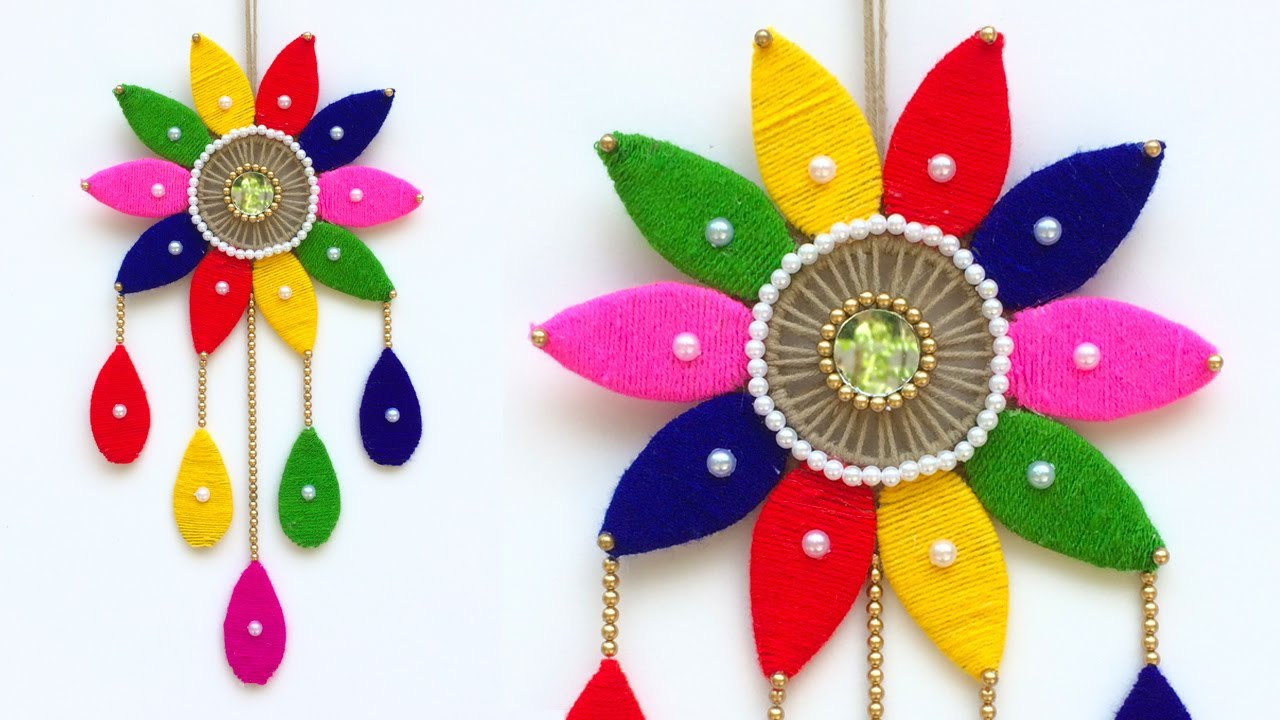 Woolen flower wall hanging