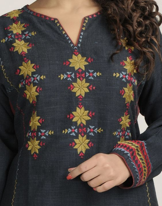 Beautiful Ladies Latest Kurti Designs