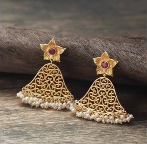 Daily Wear Earring Designs in Gold