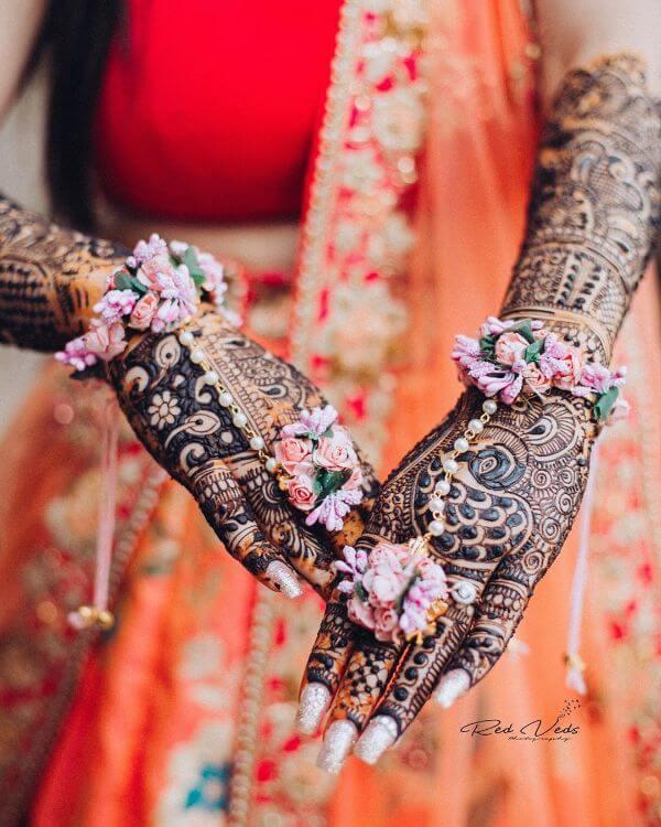 The roses floral hathphool jewellery