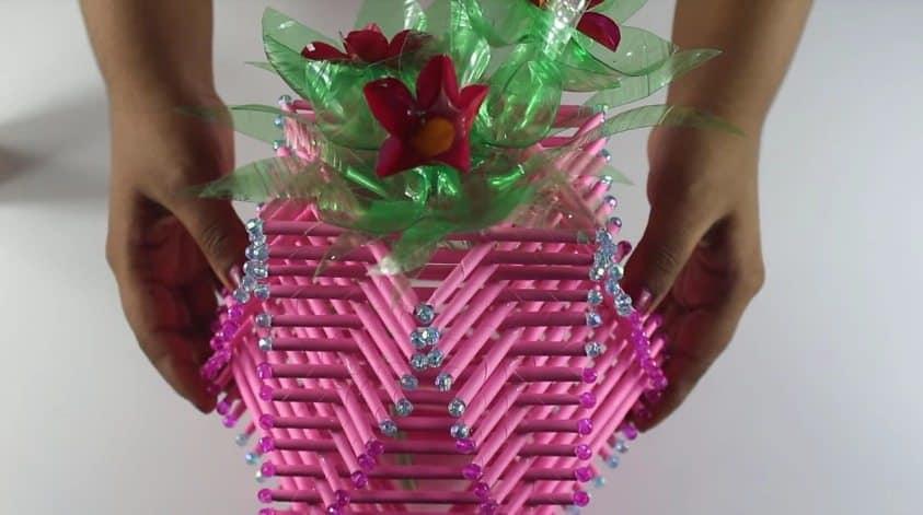 Amazing Flower Vase Using Paper Rolls