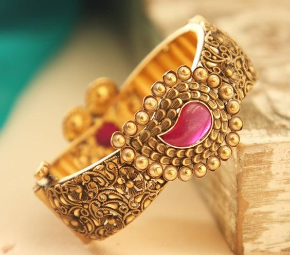 Latest Gold Bangles Gallery