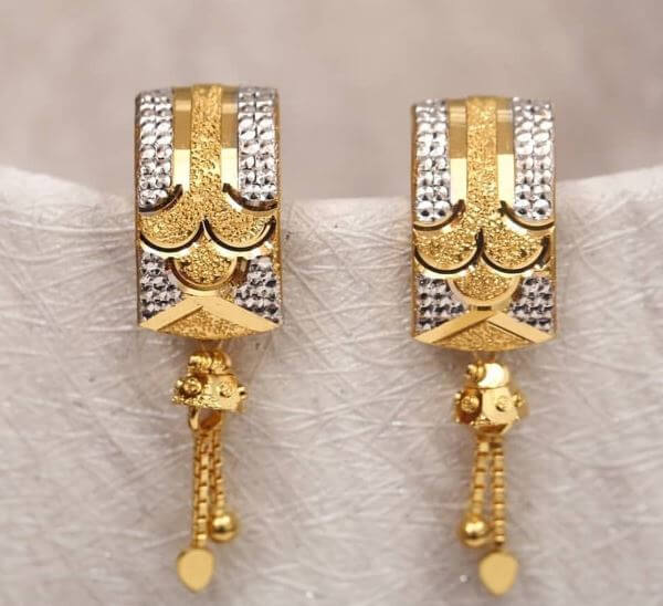 Light Weight Golden Latkan Earrings