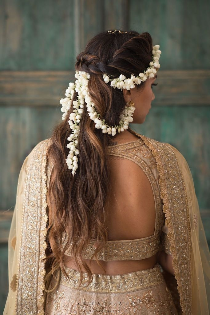 Open Hairstyles for Mehndi Ceremony