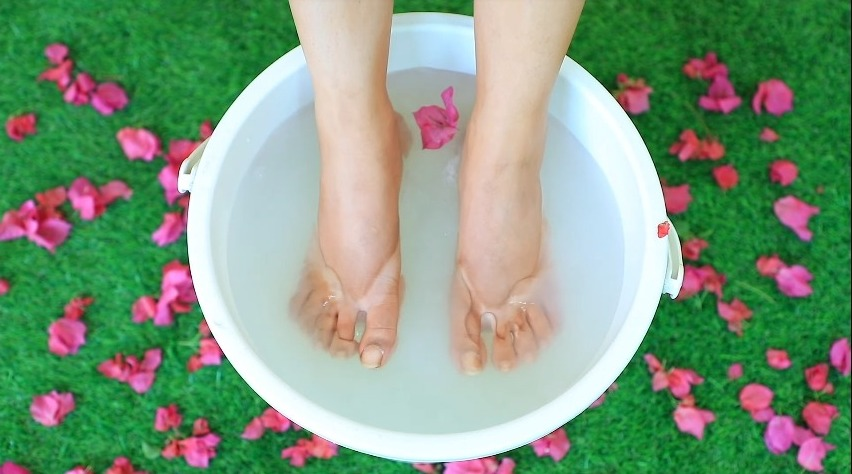 Step by Step Pedicure at Home