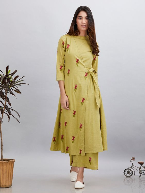 Fashionable Kurti Neck and Sleeve Designs