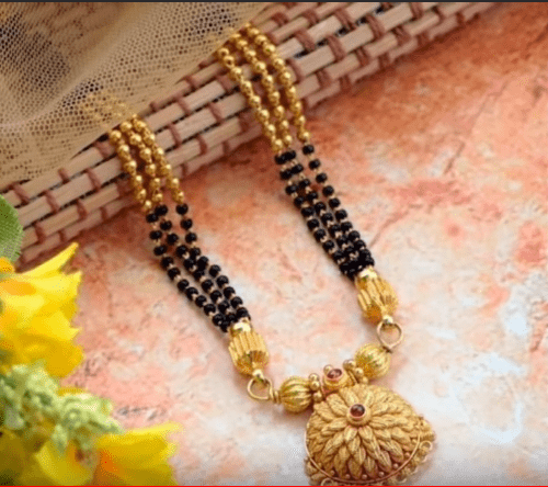 Traditional and modern gold mangalsutra design