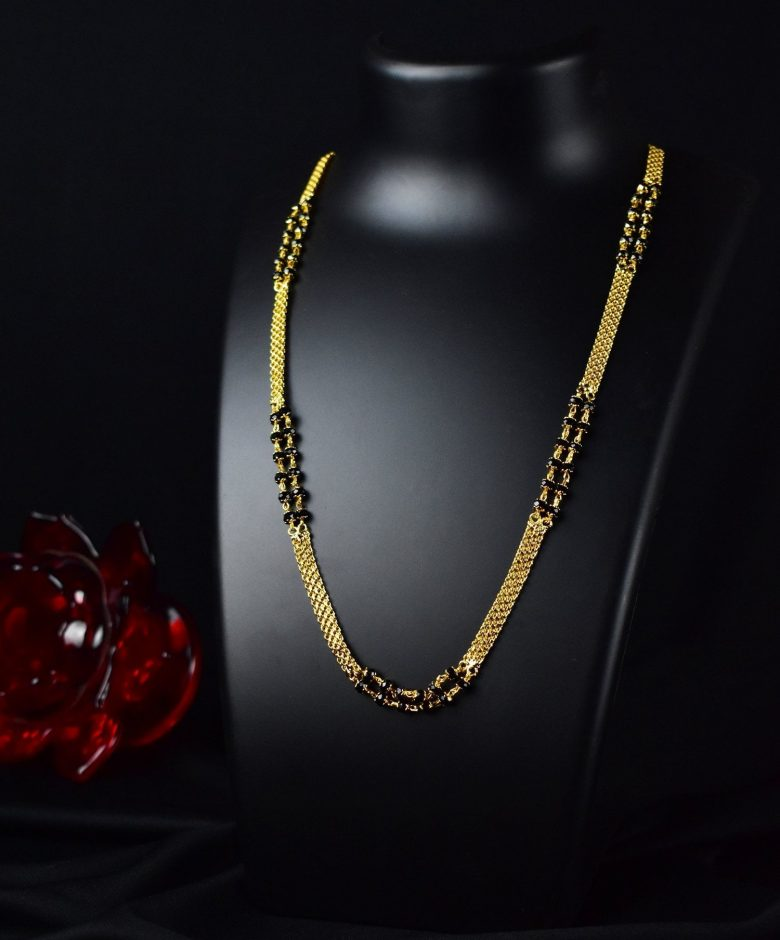 20 Modern short mangalsutra designs for a sleek and stylish look 11