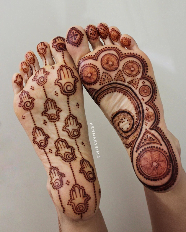 Best mehandi designs on the sole of the foot 1