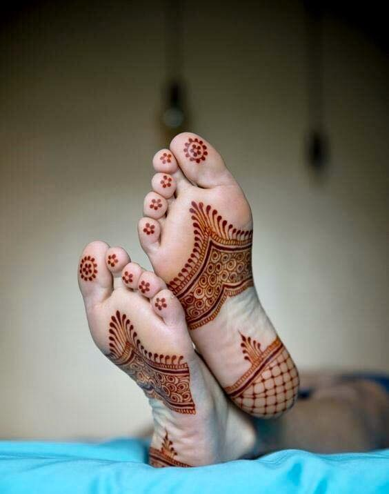Best mehandi designs on the sole of the foot 15