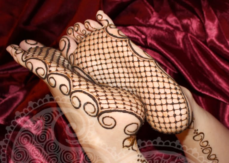 Best mehandi designs on the sole of the foot 19
