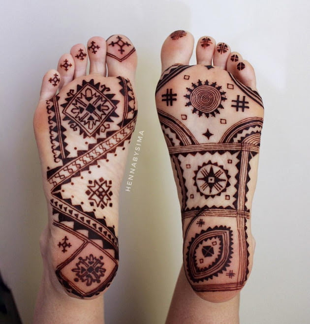 Best mehandi designs on the sole of the foot 2